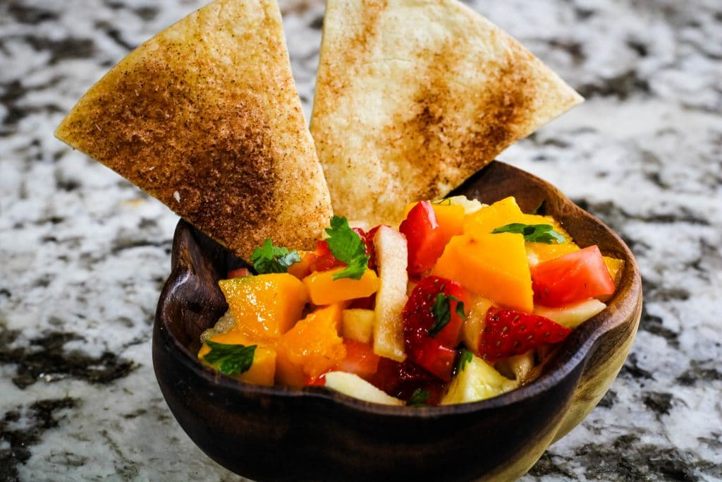 cinnamon sugar chips with fruit salsa