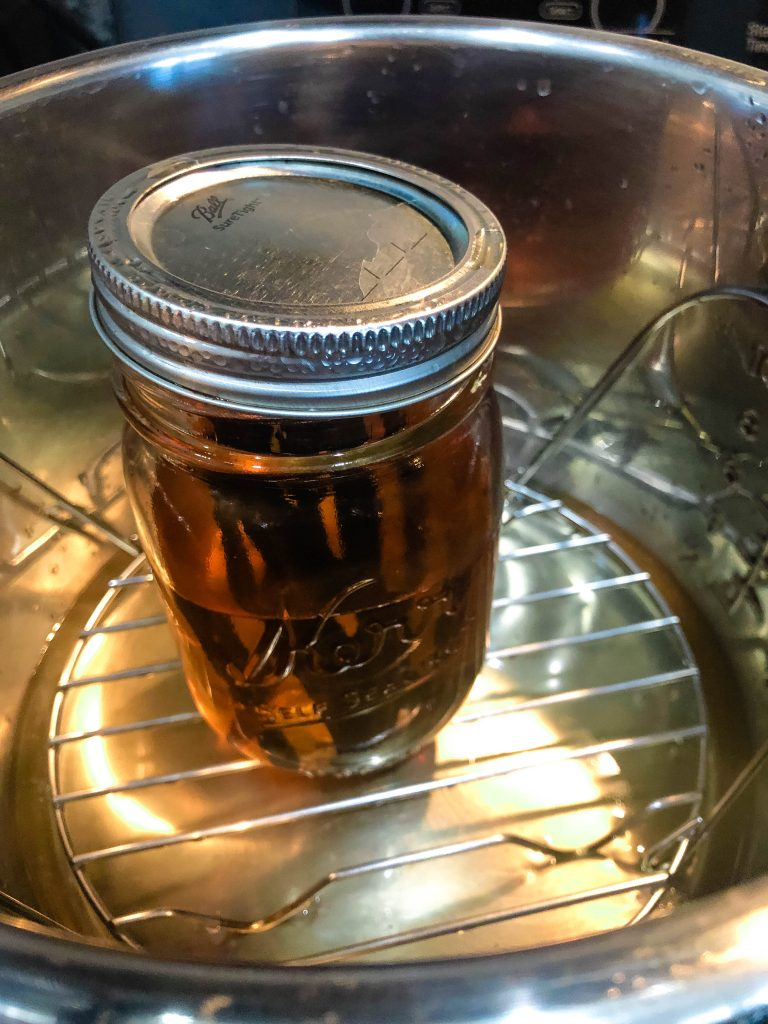 vanilla extract in mason jar in the instant pot