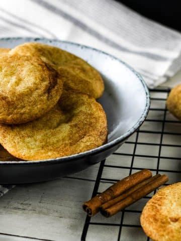 cheesecake stuffed snickerdoodle cookies