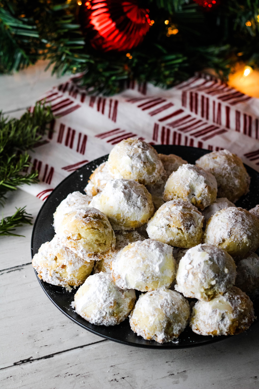 macadamia nut snowball cookies