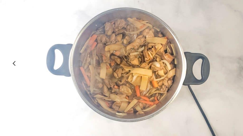 pot of chicken hekka