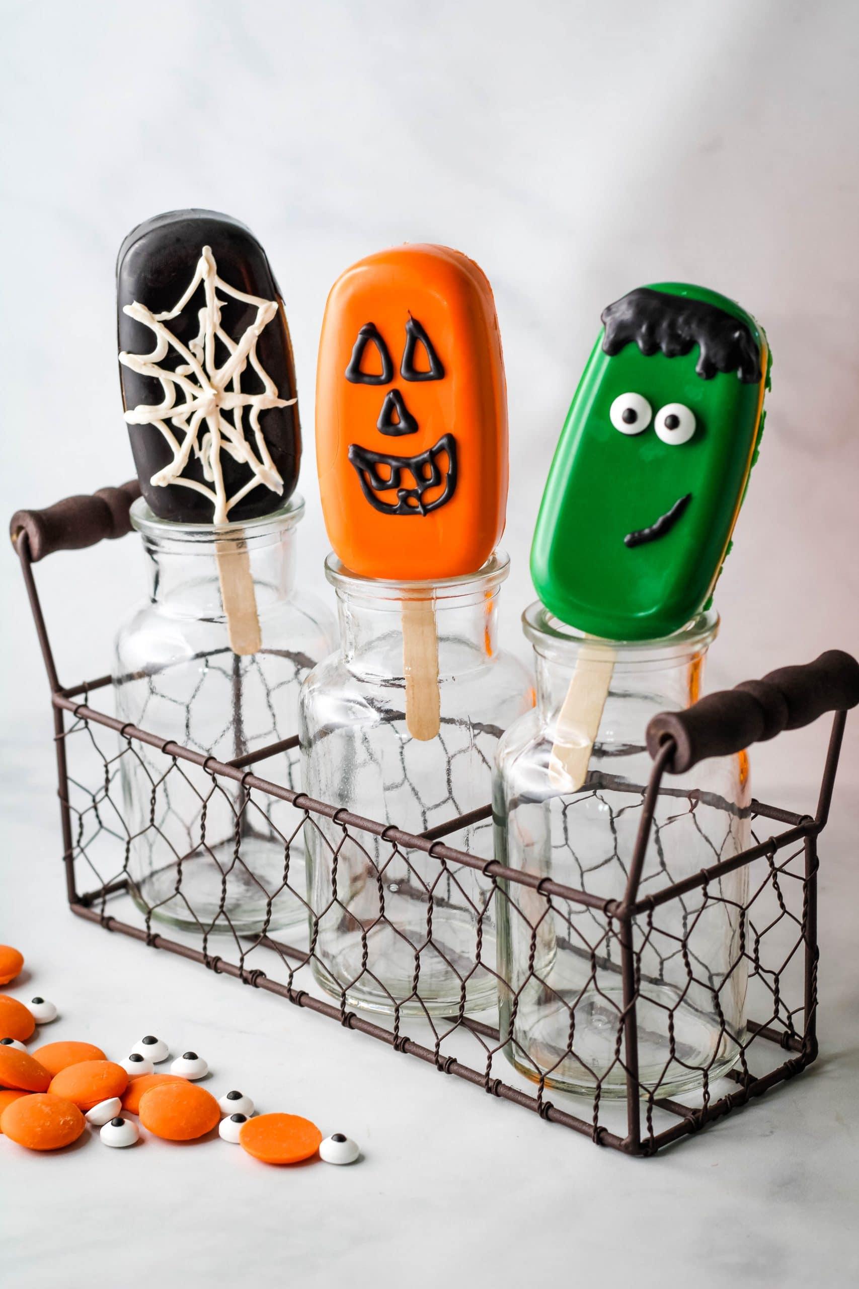 halloween cakesicles in glass jars